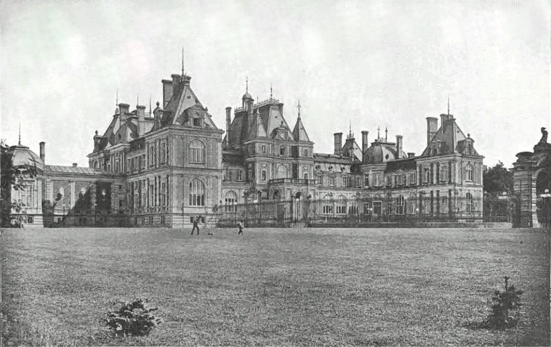Czarno-biały szkic przestawiający Pałac w Świerklańcu