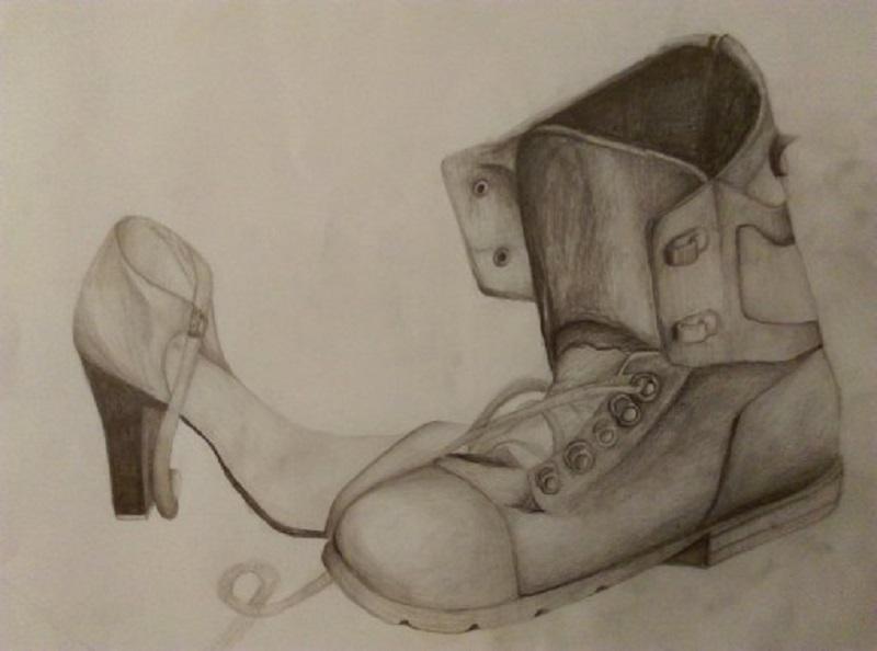 Praca powstała podczas zajęć Grupy Rysunkowej. N pierwszym planie szkic męskiego buta, na drugim damski but na obcsacie.